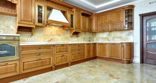 Как сделать кухню из дерева своими руками?